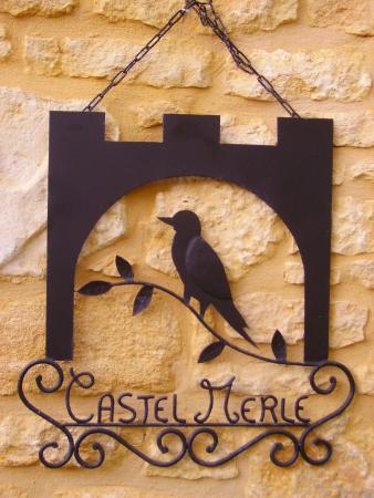 Auberge de Castel Merle: enseigne
