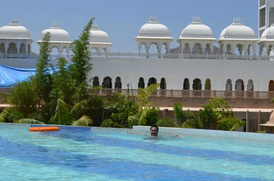 Pool Picture Of Radisson Blu Udaipur Palace Resort Spa Udaipur Tripadvisor