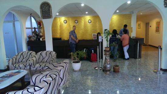 Easy Crystal Hotel: Reception area