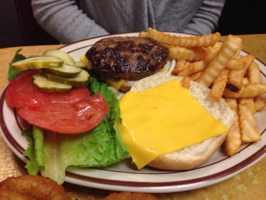 Holsten's Brookdale Confectionary: Cheeseburger deluxe