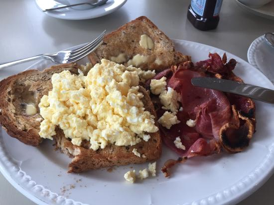 Edelweiss: Scrambled egg and bacon