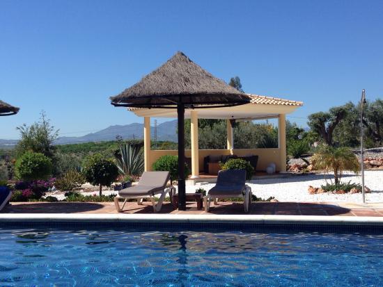 Dos Iberos Luxury Bed & Breakfast: Zalig aan zwembad met uniek zicht