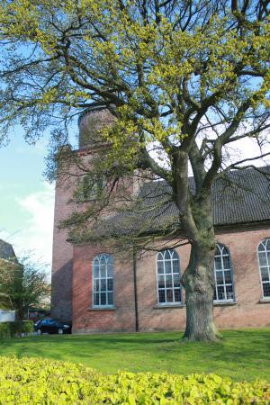 Krempe, Saksa: Die klassizistische St.Peter-Kirche von 1832