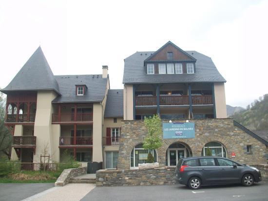 Residence les Jardins de Balnea Lagrange Prestige: facade de la residence