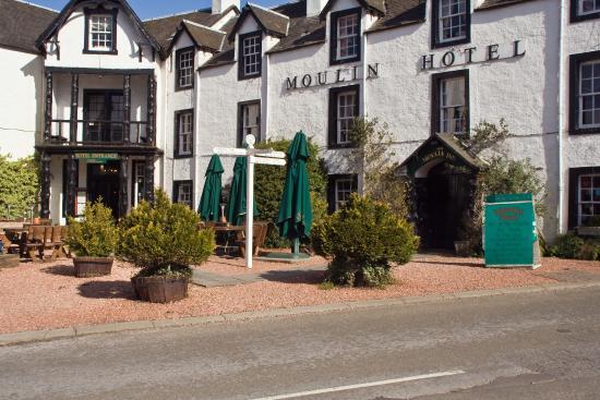 Moulin Hotel: Hotel Entrance