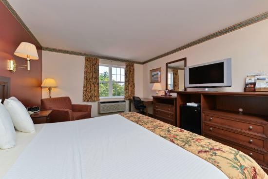 Acadia Inn: King Room