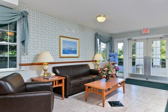 Acadia Inn: Lobby