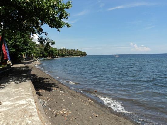Bali Mandala Resort: Strand vor dem Ressort