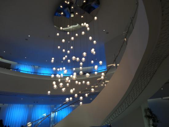 lustre hall d 39 entree hotel picture of ja ocean view hotel dubai tripadvisor. Black Bedroom Furniture Sets. Home Design Ideas