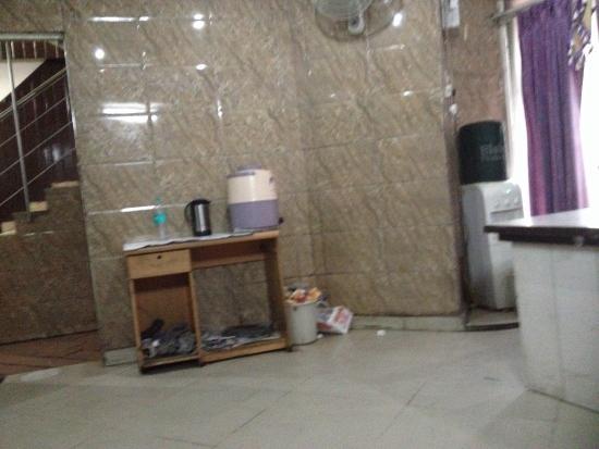 Hotel Karat 87 Inn: The Restuarant