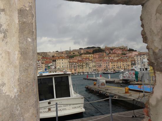 B&B Porta del Mare: Stadtmauer Piazza Cavour