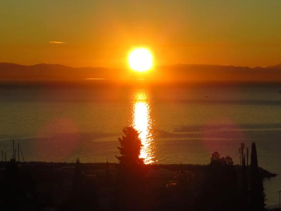Villa Luppo: Sunset in Icici