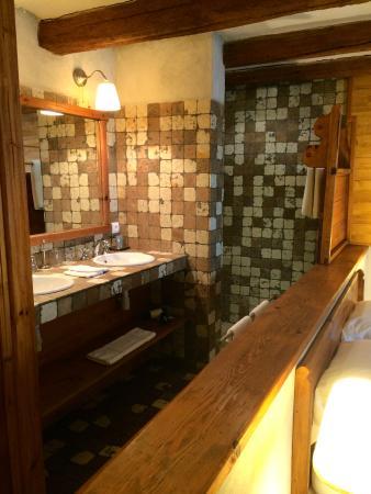 La Ferme De Soulan : Chambre N°2 Vue 3 Salle D'eau