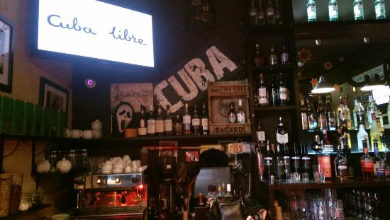 Cuba Libre Bar : Professional cocktails by experts in Cuba style ambient