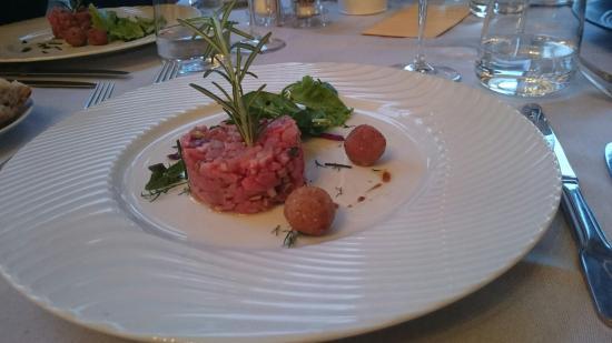 Le Lido : Tartare de veau à la pistache et carpaccio de lotte à la Grenade...  Un délicieux moment passé e