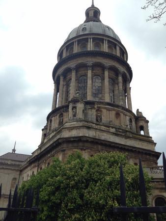 Nôtre Dame de Boulogne : Vue extérieure