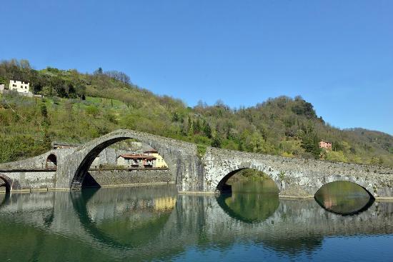 Villa Lucchesi : Ponte Maddelena
