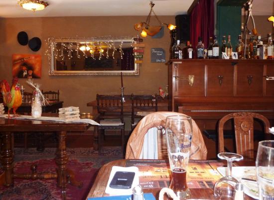 Hotel Chapeau Noir : urige Zusammenstellung der Einrichtung