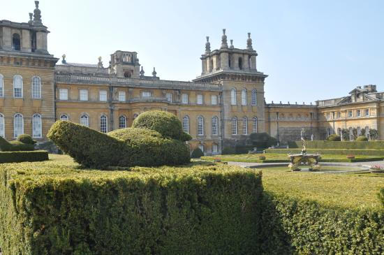 Le jardin italien picture of blenheim palace woodstock for Jardin italien