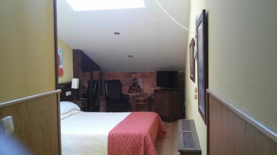 Hotel Don Pedro: Vista de la habitación desde la entrada