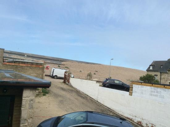 Beach House : Great knowing Chesil Beach is just the other side of the wall