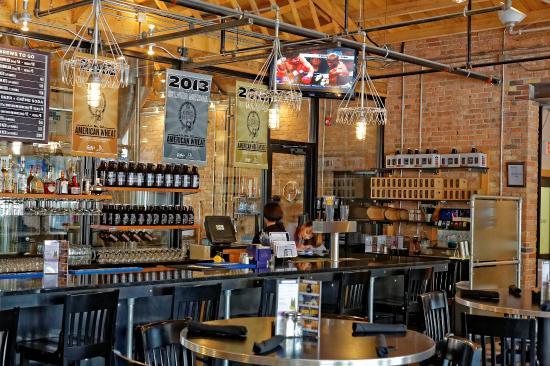 Gella's Diner & Lb. Brewing Co. : Bierhallengemütlichkeit mitten in Kansas
