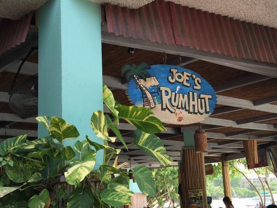 Joe's Rum Hut: photo0.jpg