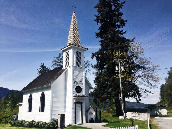 Little White Church (Evangelische Lutherische Kirche): a little church