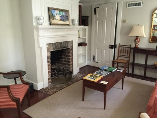 15 Church Street Bed & Breakfast - Phillips-Yates-Snowden House: Sitting room, Carriage house.