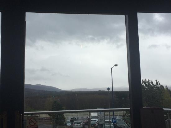 Mountain Cafe: Cairngorm view from cafe