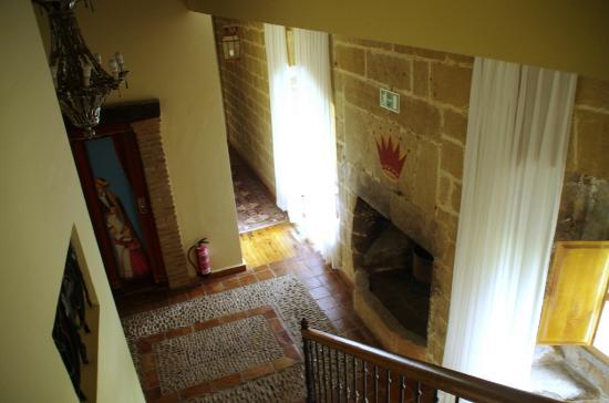 Hospedería Señorío de Casalarreina: Vista bajando por la escalera desde la 2ª a la 1ª planta