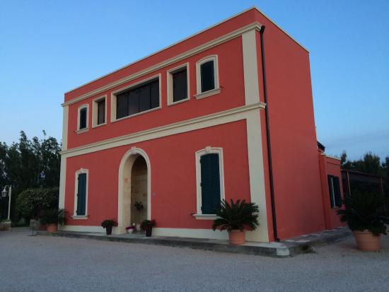 Tenuta Monaci La Murra: The b&b