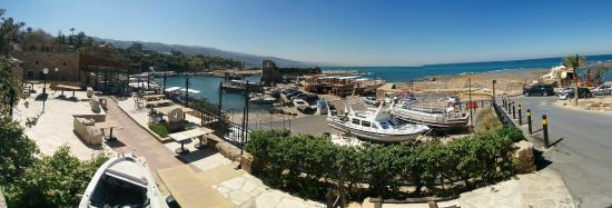 Byblos Sur Mer: View from hotel entrance