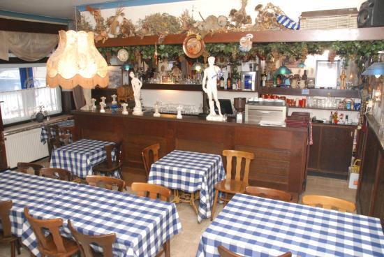 Greeks Grill Restaurant Leonidas