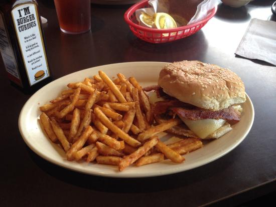 Sue S Country Kitchen Bacon Cheeseburger Was Great