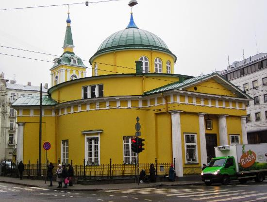 ‪Temple of the Holy Prince Alexander Nevskiy‬