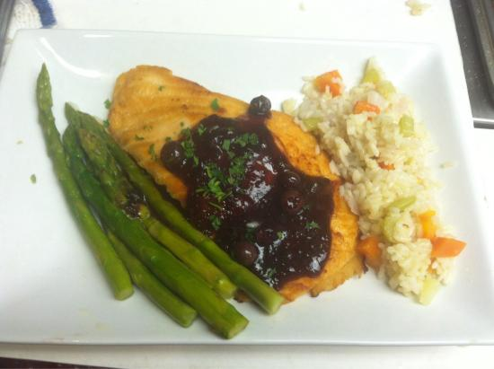 Carney's : Blueberry balsamic salmon special