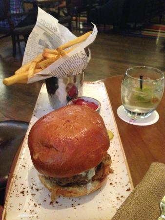 Grilled Lamb Burger Picture Of Gordon Ramsay Pub Grill Atlantic City Tripadvisor