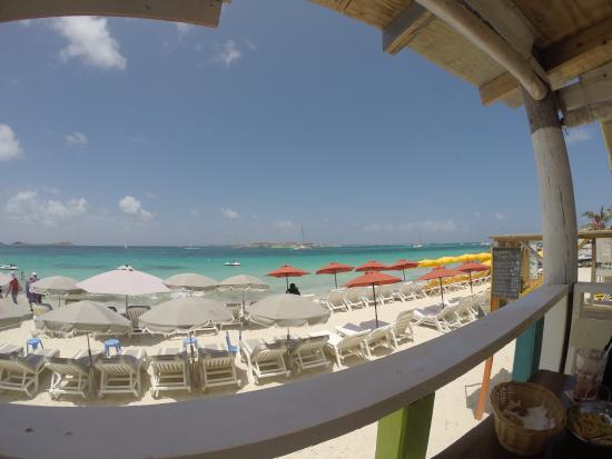 Ethnic Beach Bar Restaurant: A view of paradise over lunch.