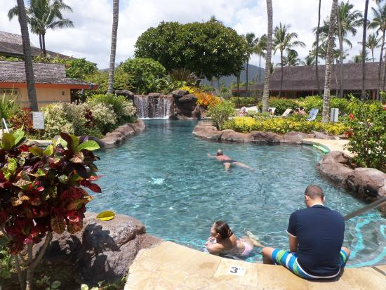 Kauai Coast Resort At The Beachboy Nice Pool With Two Spas Bar Also