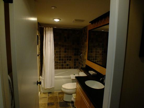 The Marquise: Bathroom in our  one bedroom unit at The Marquise