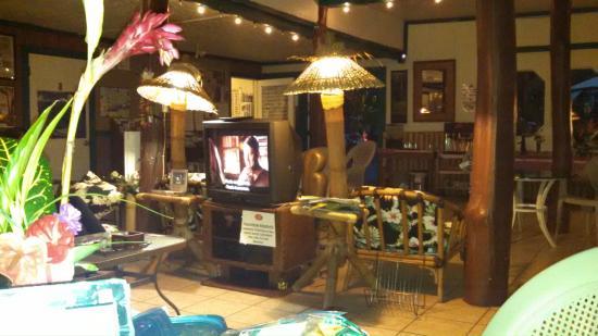 Wild Ginger Inn Hotel & Hostel: Sunday movie night