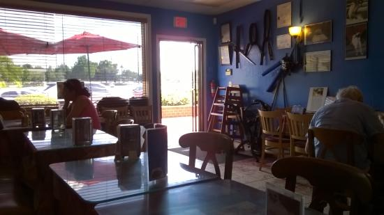 El Buzo Restaurant: Entrance