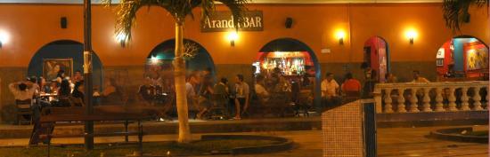Arandú Bar en el Bulevard del Malecón Maldonado