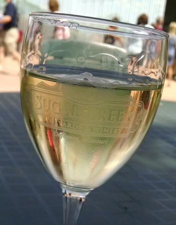Sugar Creek Winery: Wine tasting while on our Katy Trail day tour...