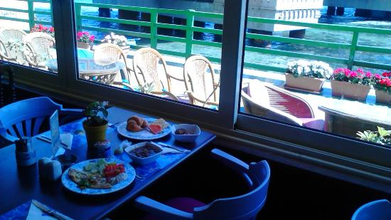 San Giovanni Hotel: breakfast over Stanly view