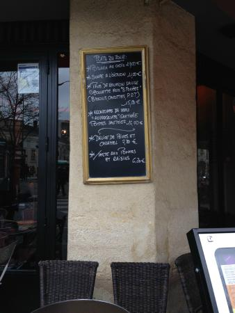 Hôtel Du Midi Paris Montparnasse : Pub/Cafeteria al lado del hotel
