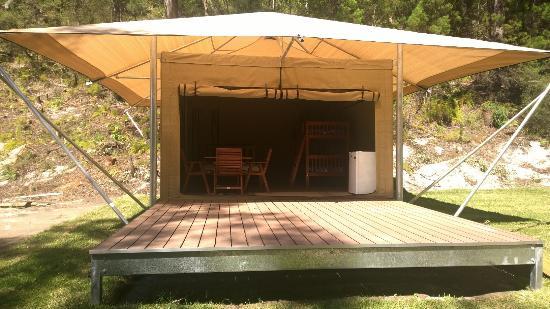 Minnie Water Holiday Park: Safari Tent