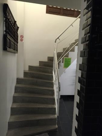 2Go4 Grand Place: escadaria e hall de entrada