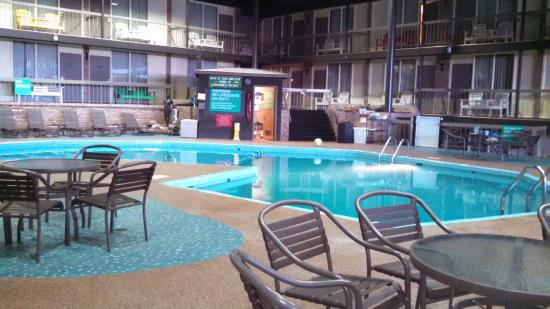 Park Inn by Radisson Sharon, PA: pool area